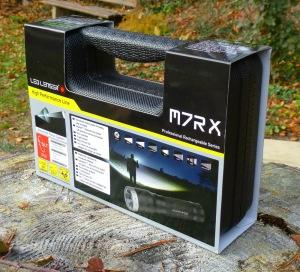 LED Lenser M7RX - Koffer mit Infos von vorne